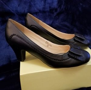 NIB Modcloth Black heels size 9